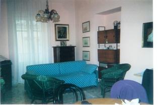 Isole eolie aquisti vendita immobili lipari case vacanze for Piano casa di quattro camere da letto